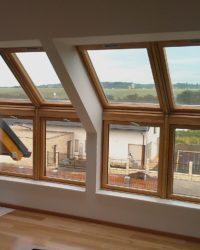 Sestava střešních a fasádních oken